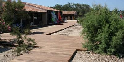 Planchers pour barnums